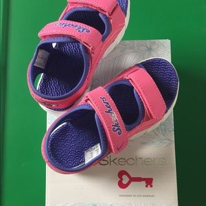 Skechers toddler Girl pink and Purple Sandal NWT